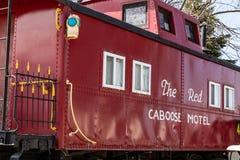 Het onderbrengen bij thr Rood Caboose Motel stock foto's