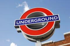 Het ondergrondse teken van Londen Stock Afbeeldingen