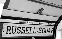 Het ondergrondse teken van Russel Square stock foto
