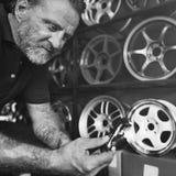 Het Onderhoud Mechanisch Fixing Spare Concept van de garagemotor stock foto