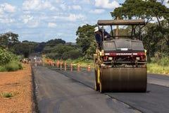 Het onderhoudswerk en bouw van het asfalt Stock Foto