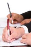 Het ondertekenen van documenten stock foto