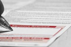 Het ondertekenen van Kredietovereenkomst Stock Foto