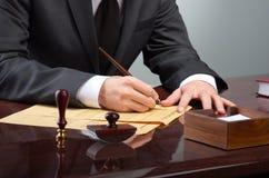 Het ondertekenen van testament royalty-vrije stock fotografie