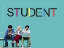 Het Onderwijsconcept van studentenschool learning intern stock fotografie
