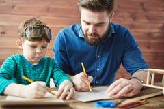 Het onderwijzen om schets te maken royalty-vrije stock afbeeldingen