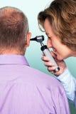 Het onderzoek van het oor stock afbeelding