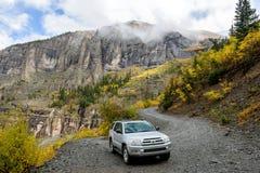 Het onderzoeken van Autumn Mountains Stock Afbeelding