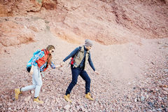 Het onderzoeken van Rocky Mountains Together Stock Afbeelding