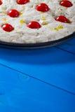 Het ongekookte Brood van Pizzafocaccia Stock Afbeeldingen
