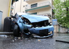 Het ongevallen frontale botsing van de auto Royalty-vrije Stock Afbeeldingen