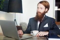 Het online werk royalty-vrije stock foto's