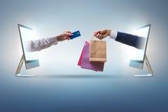 Het online winkelen door het kopen van Internet stock afbeelding