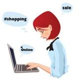 Het online winkelen, het mooie meisje typen Stock Afbeeldingen