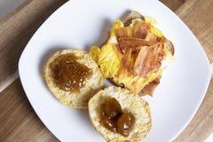 Het ontbijt van het bacon en van het ei stock foto's