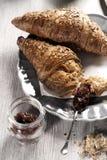 Het ontbijt van de croissant met jam Royalty-vrije Stock Afbeelding