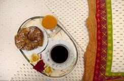 Het ontbijt van het bed royalty-vrije stock afbeeldingen