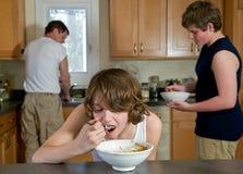 Het ontbijttijd van de familie Stock Foto's