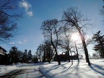 Het ontruimen van de wegen na de blizzard! royalty-vrije stock afbeelding