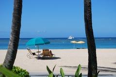Het ontspannen bij het strand Royalty-vrije Stock Afbeeldingen
