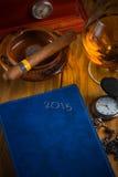 Het ontspannen Cubaanse sigaar na harde dag Royalty-vrije Stock Afbeeldingen