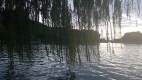 Het ontspannen door het hart van Hangzhou stock afbeelding