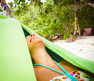 Het ontspannen in Hangmat royalty-vrije stock afbeeldingen