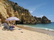Het ontspannen op Algarve Stock Afbeelding