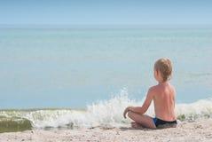 Het ontspannen op een strand 2 Royalty-vrije Stock Foto's