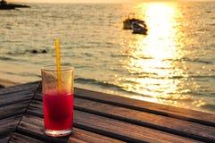 Het ontspannen op het strand Royalty-vrije Stock Afbeeldingen