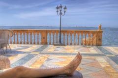 Het ontspannen op het Terras van het Herenhuis Ringling stock afbeeldingen