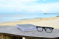 Het ontspannen op strand 2 Royalty-vrije Stock Afbeeldingen