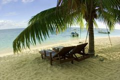 Het ontspannen op ver strand Royalty-vrije Stock Foto