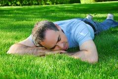 Het ontspannen van de mens Stock Fotografie