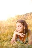Het ontspannen van de vrouw Royalty-vrije Stock Foto