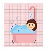 Het ontspannen van het meisje in bad Stock Foto's