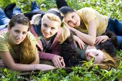 Het ontspannen van meisjes Royalty-vrije Stock Fotografie