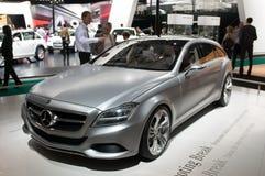 Het Ontspruiten van Mercedes X218 Onderbreking - conceptenauto Royalty-vrije Stock Fotografie
