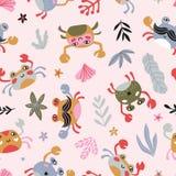 Het ontwerp van de babystof met krabben en overzeese installaties op de roze achtergrond Overzees herhaalde druk voor jonge geitj vector illustratie