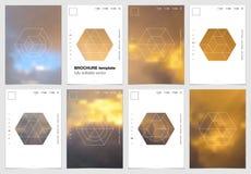 A4 het ontwerp van de brochuredekking met geometrische vormen en maskers in moderne minimalistic stijl Creatief jaarlijks vlieger Stock Illustratie