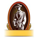 Het ontwerp van het bieretiket bevat beelden van beeldverhaalmens het drinken bier Royalty-vrije Stock Afbeelding