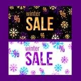 Het ontwerpmalplaatje van de de winterverkoop met in gouden of violette sneeuwvlokken Reeks van horizontale Kerstmis, de banners  Stock Foto
