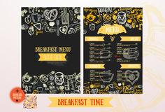 Het ontwerpmalplaatje van het ontbijtmenu Moderne hand-drawn schets met het van letters voorzien met Brood, cake, thee, eieren Vo Stock Fotografie