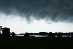 Het onweer komt binnen Stock Foto's