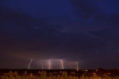 Het onweer van de bliksem Stock Afbeeldingen