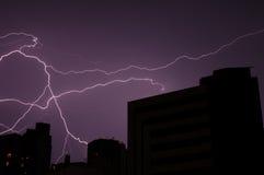 Het Onweer van de bliksem stock afbeelding
