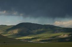 Het Onweer van de regen in Mongolië Royalty-vrije Stock Afbeeldingen