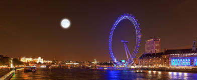Het oog en de Rivier Theems van Londen 's nachts, Londen, het UK Royalty-vrije Stock Fotografie
