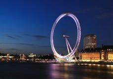 Het Oog van Londen bij nacht Stock Afbeeldingen