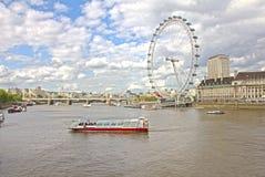 Het oog van Londen en de rivier van Theems Stock Fotografie